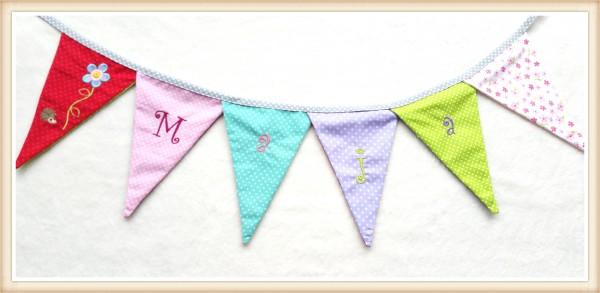 Bunte Mädchen - Wimpelkette mit Namen